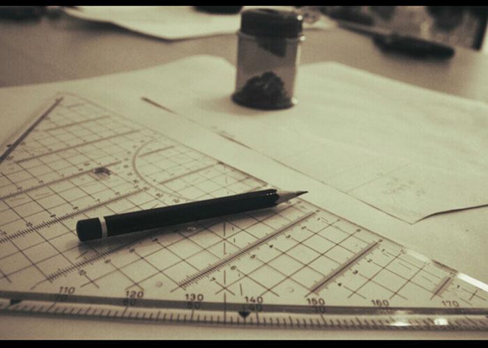 schnittzeichnen, schnitt konstruieren, lineal, bleistift, spitzer