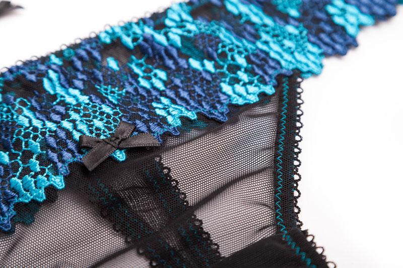 String Rosalie Schnittmuster aus schweizer Stickerei und Tüll